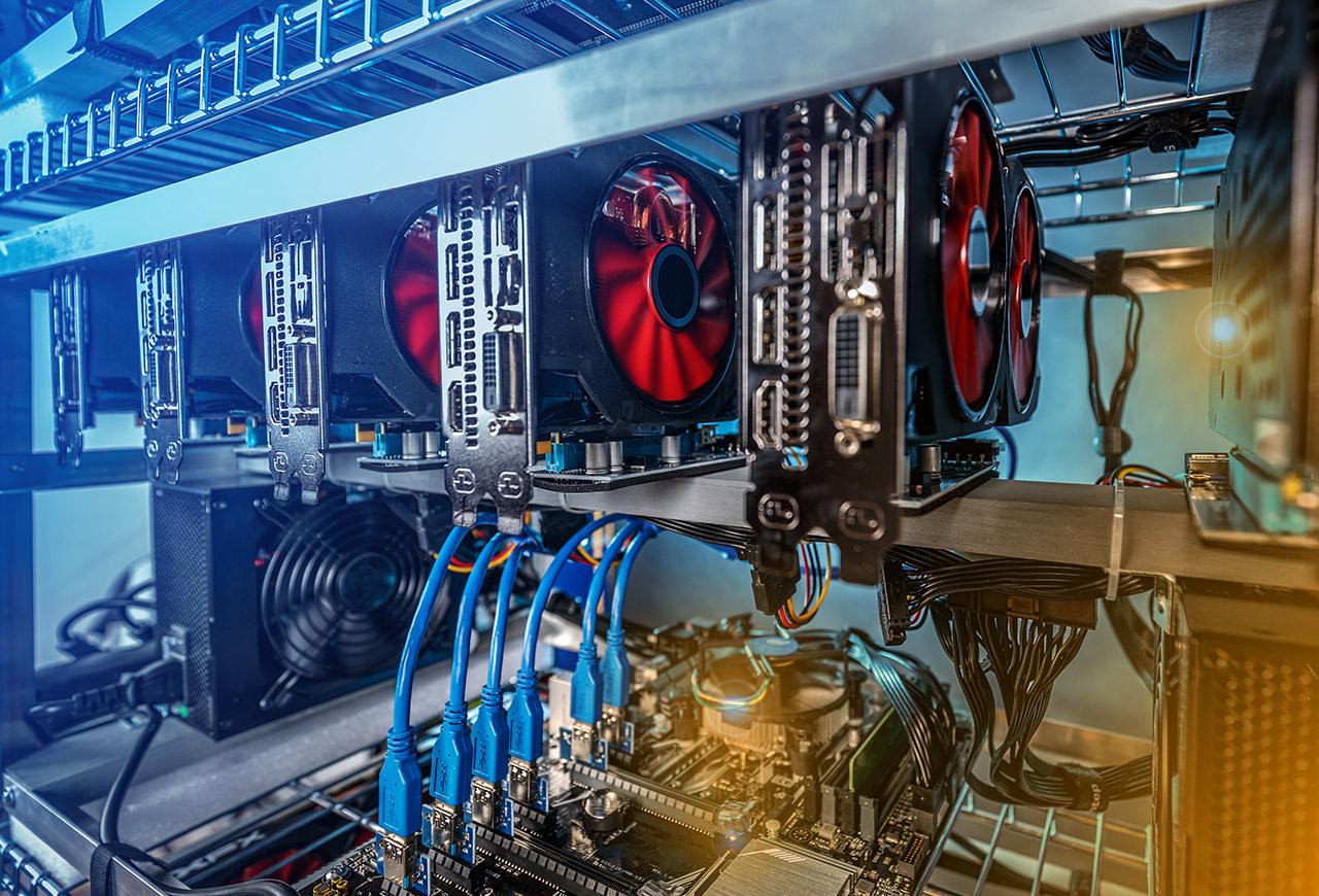 Imagen de un rig para minar criptomonedas en PC